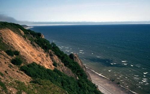 Fig.-14.-Cannings-Sea-cliffs-near-Magadan-003
